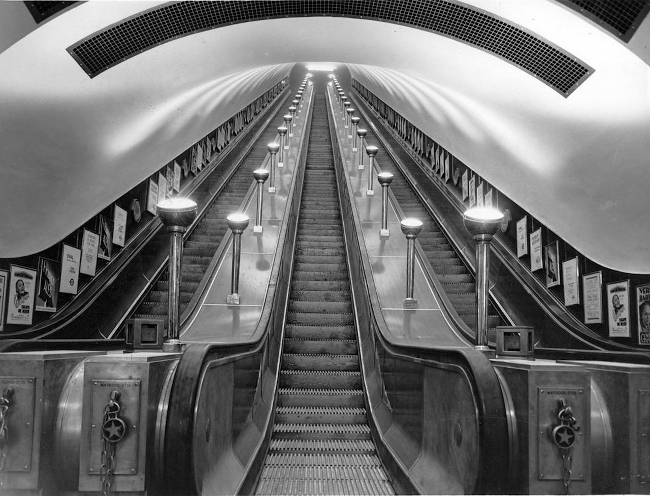 Escaleras mecánicas del Metro de Londres, freepik.es